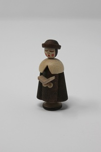 Caroler with book 4,5 cm