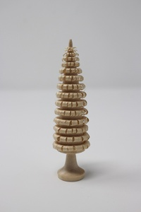 Tree 8 cm with base